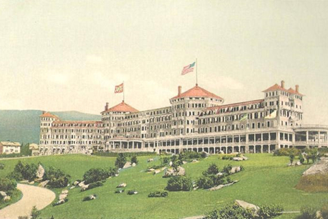 The Mount Washington Hotel, Bretton Woods, New Hampshire (ca. 1910), Site of the Bretton Woods Conference 1944. Public Domain